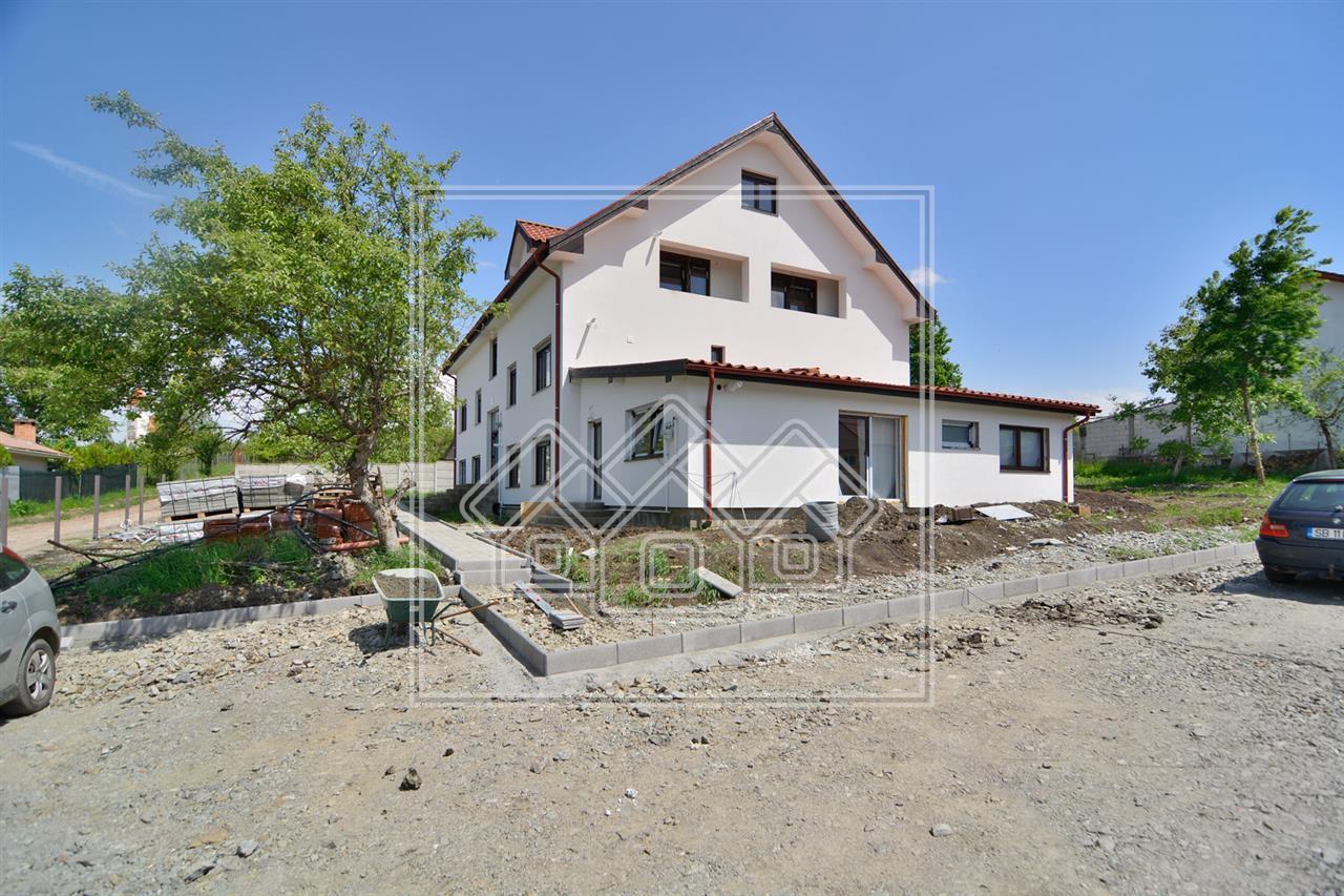 Apartament de vanzare in Sibiu  2 camere Etaj intermediar Cisnadie