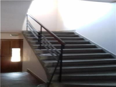 Spatiu de Birouri 2 camere 60mp + spatiu depozitare 60mp la demisol