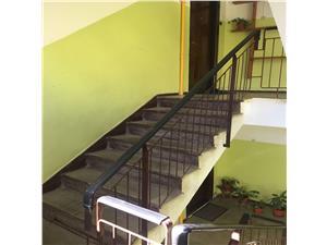 Apartament 4 camere, semidecomandat, Calea Poplacii