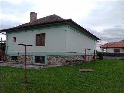 Casa de vanzare in Sibiu, 5 camere, 910mp teren