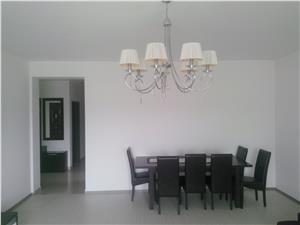 Apartament 3 camere de vanzare in Sibiu. Zona Parcul Sub Arini