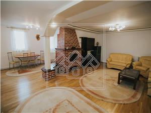 Apartament de inchiriat in Sibiu - 3 camere - La vila - C. Dumbravii
