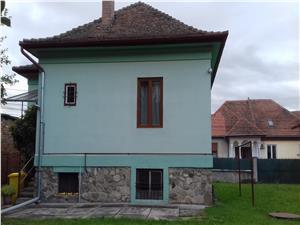 Casa de birouri de inchiriat in Sibiu, 90mp, 3 camere + 910mp curte