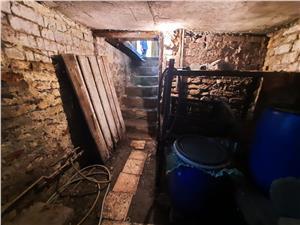 Haus zum Verkauf in Sibiu - 2 Geb?ude - Lupeni Bereich