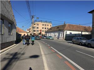 Casa de vanzare in Sibiu - 3 camere + curte - Zona PREMIUM