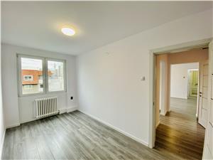 Apartament de vanzare in Sibiu - 3 camere si balcon - Zona V.Milea