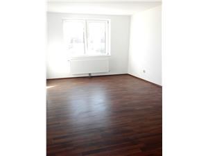 Apartament 3 camere la casa de vanzare in Sibiu, etaj 1