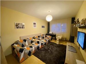 Apartament de vanzare in Sibiu - 3 camere - balcon si pivnita