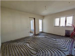 Wohnung zu verkaufen in Sibiu, Selimbar - 2 Zimmer - Etage 1 - Fu?bode