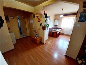 Apartament de vanzare in Alba Iulia - 3 camere - zona Stadion