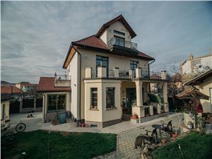 Villa for sale in Sibiu - 11 rooms - land 1000 sqm - Central Area