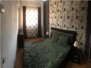 Apartament 3 camere de vanzare in Sibiu - Zona Strand - Decomandat
