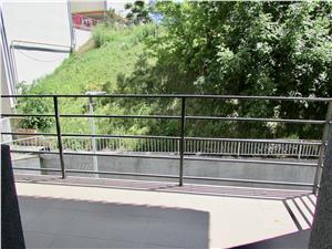 Apartament 4 camere de inchiriat in Sibiu, 2 bai, etaj 2