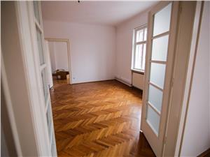 Apartament ultracentral de inchiriat in Sibiu - 106mp utili