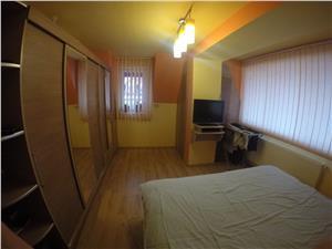 Apartament de vanzare in Sibiu cu 3 camere mobilat si utilat modern