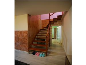 Apartament de vanzare in Sibiu - 3 camere - mansarda - zona Terezian