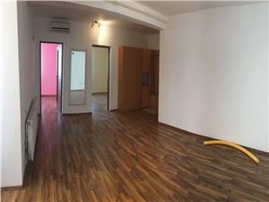 Apartament 3 camere de vanzare in Sibiu - Zona Turnisor + 1 balcon