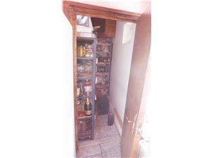 Apartament de vanzare in Sibiu-4 camere-mobilat si utilat-zona V Aron