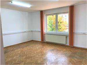 Office space for for rent in Sibiu 3 rooms - private parking