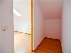 Apartament de vanzare cu 3 camere in Sibiu, zona Cedonia