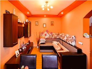 Casa de vanzare in Sibiu - 4 camere spatioase - curte comuna