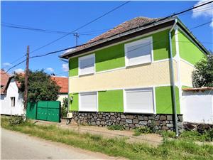 Casa de vanzare in Sibiu - sat Hamba - curte generoasa