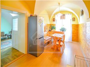 Apartment for sale in Sibiu - 4 rooms - ideal investment