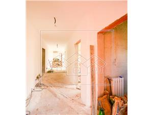 House for sale in Sibiu - mansardable attic -980 sqm land