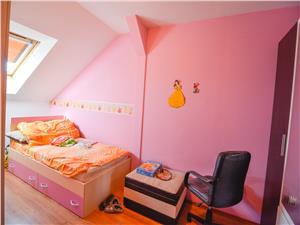 Apartament de vanzare in Sibiu, zona Vasile Aaron - mansarda 3 camere