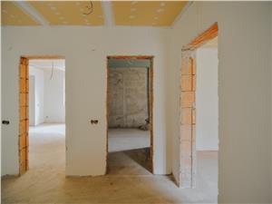 Casa de vanzare in Sibiu, 5 camere, zona retrasa - pret negociabil