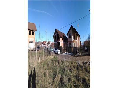 Casa de vanzare in Sibiu-Teren 215-singur in curte