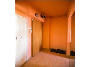 Apartament de vanzare in Sibiu-2 camere-balcon si pivnita- Zona Milea