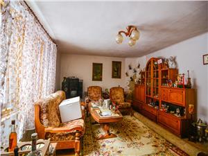 Casa de vanzare in Sibiu -Cisnadioara - zona Cetate, curte mare +Garaj