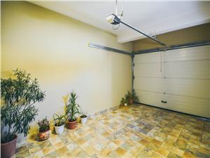 Casa de vanzare, individuala - 5 camere - stil mediteranean