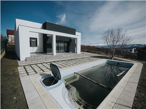 Vila de lux in Cisnadioara - de vanzare- cu garaj si piscina