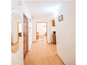 Apartament de inchiriat in Sibiu -decomandat-etaj intermediar - Strand