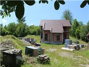 Casa de vanzare in Sibiu (Chirpar) 5 camere cu pivnita si teren