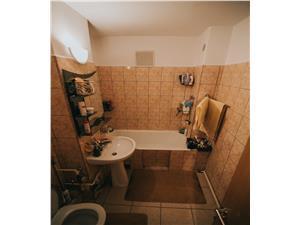 Apartament de vanzare Sibiu cu 4 camere zona Ciresica