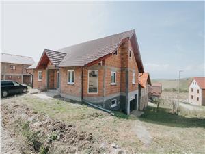 Casa individuala de vanzare in Sura Mare- Teren 500mp