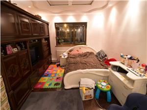 Apartament de vanzare in Sibiu -4 camere cu balcon si pivnita-