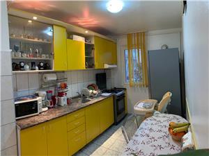 Apartament 3 camere de vanzare in Sibiu  -Etaj intermediar si pivnita