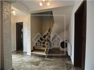 Casa de inchiriat in Sibiu - 4 camere Mobilata Lux cu curte
