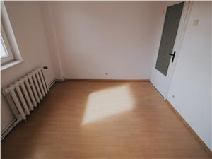 Apartament de vanzare in Sibiu - 3 camere, zona Mihai Viteazu