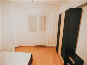 Apartament de vanzare in Sibiu - 3 camere si balcon- Zona N. Iorga