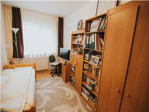 Apartament de vanzare in Sibiu - 3 camere cu balcon si pivnita-