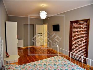 Apartament de inchiriat in Sibiu-3 camere-mobilat si utilat-Z.Centrala