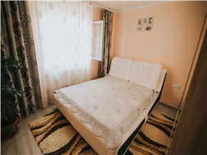 Apartament de vanzare in Sibiu -3 camere cu balcon si pivnita- V. Aron