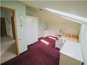 Apartament de vanzare in Sibiu - 9 camere - decomandat - terasa 20 mp