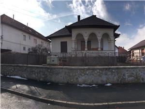 Casa de vanzare Sibiu -zona  Parcul Sub Arini -1000mp Gradina!