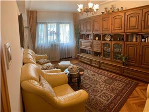 Apartament de vanzare in Sibiu 3 camere - Decomandat -Etaj 2 - Pivnita